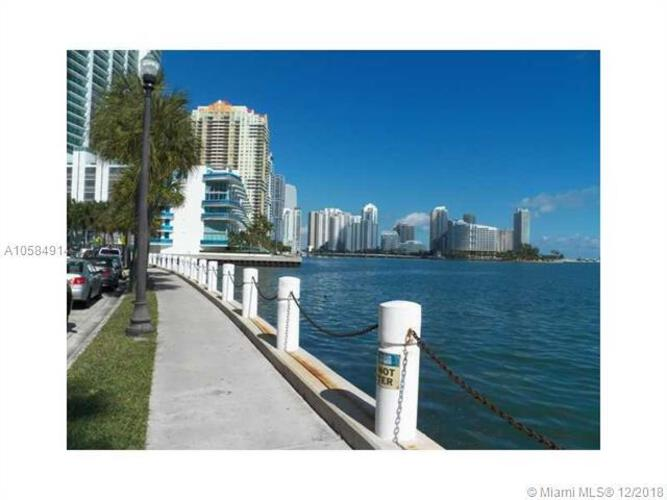 Brickell Bay Tower image #17