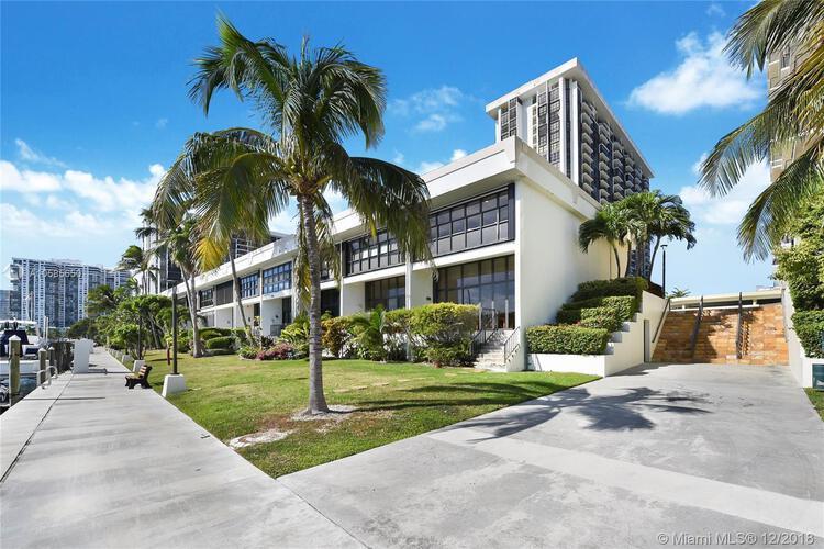1865 Brickell Ave, Miami. FL 33129, Brickell Place I #THI, Brickell, Miami A10585650 image #1