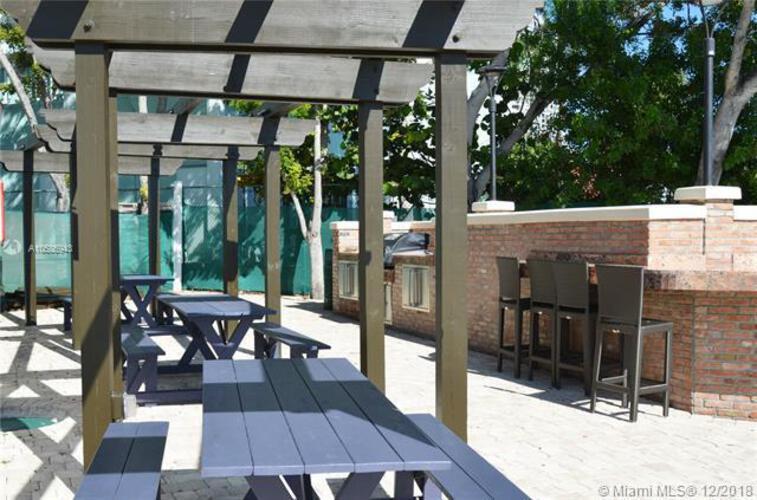 Brickell Place I image #48