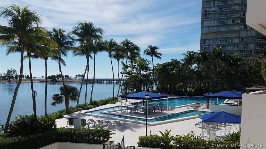 Brickell Bay Club image #17