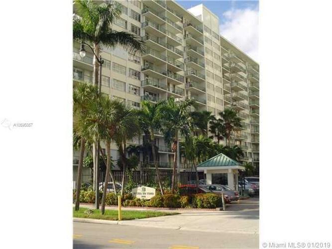 1408 SE Bayshore Drive and 1408 Brickell Bay Drive, Miami FL 33131, Brickell Bay Tower #1404, Brickell, Miami A10595857 image #19