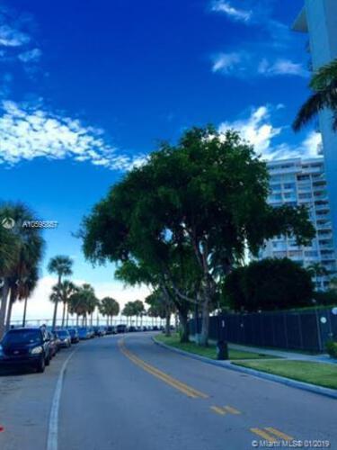 1408 SE Bayshore Drive and 1408 Brickell Bay Drive, Miami FL 33131, Brickell Bay Tower #1404, Brickell, Miami A10595857 image #21
