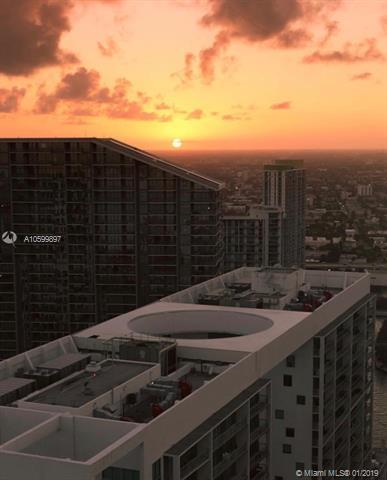 500 Brickell image #23