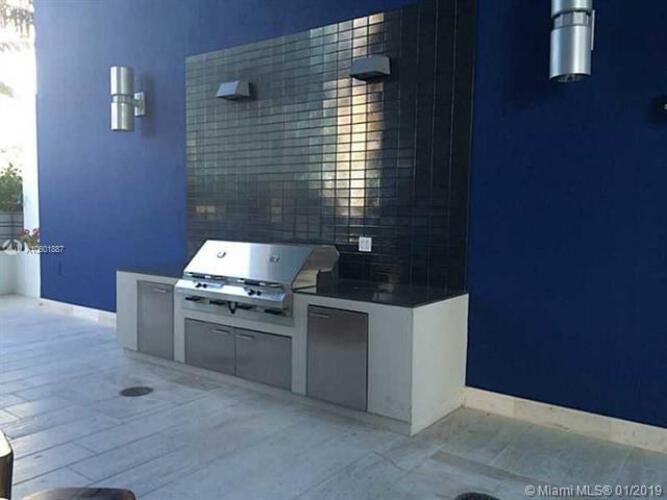 Brickell House image #16