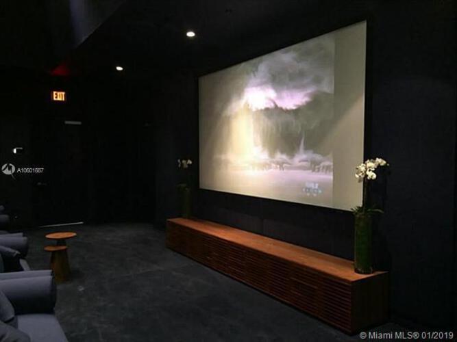 Brickell House image #18