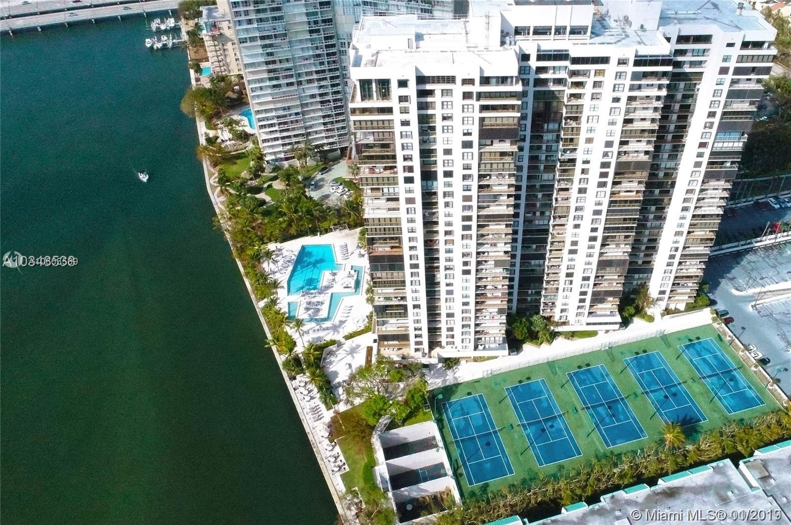 Brickell Bay Club image #3