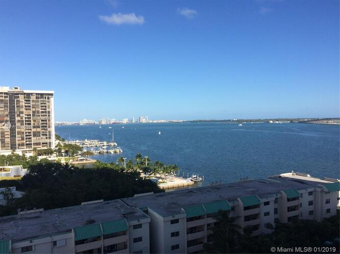 Brickell Bay Club image #19