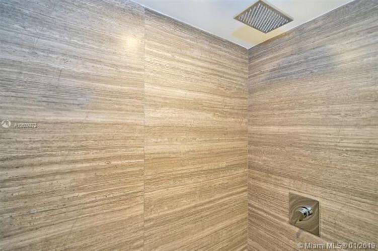 1010 Brickell image #23
