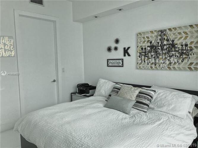 500 Brickell image #10