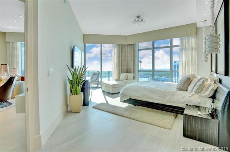 Marina Palms Yacht Club and Residences North Tower image #14