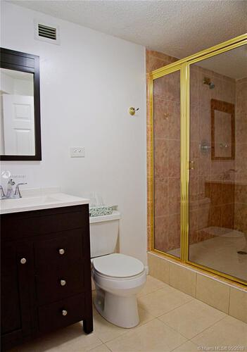 905 Brickell Bay Drive, Miami, FL 33131, Four Ambassadors #845, Brickell, Miami A10618761 image #13