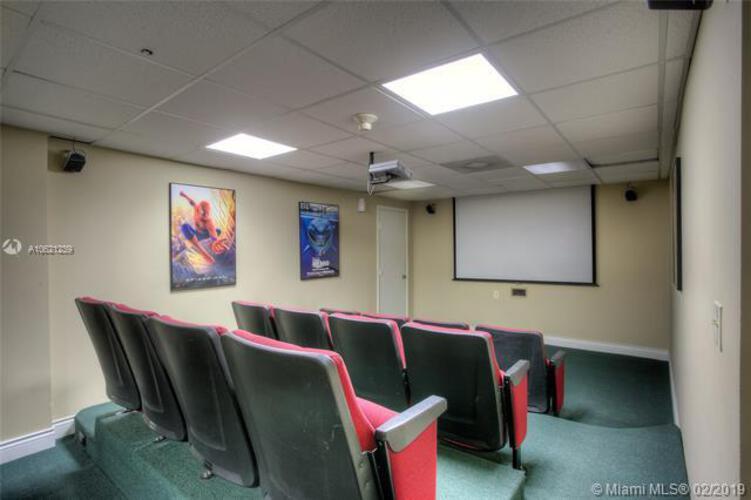 Brickell Bay Club image #30