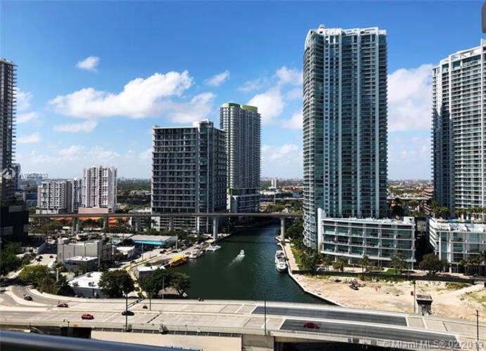 Brickell on the River North image #19