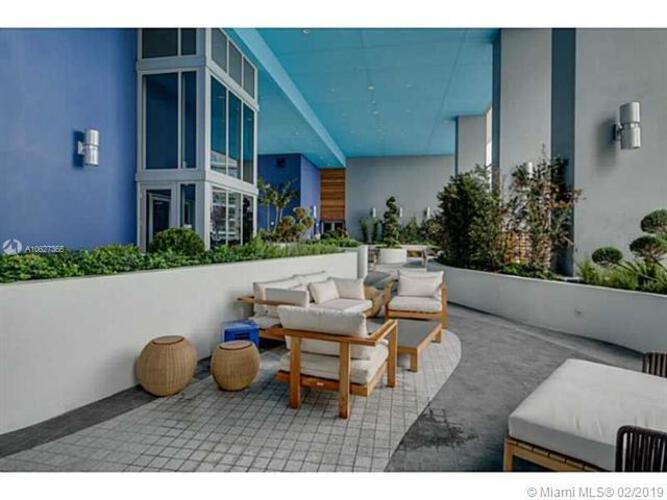 Brickell House image #27