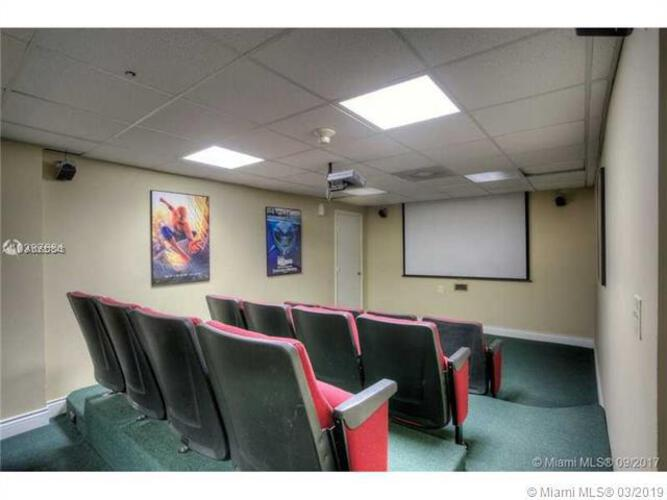 Brickell Bay Club image #32