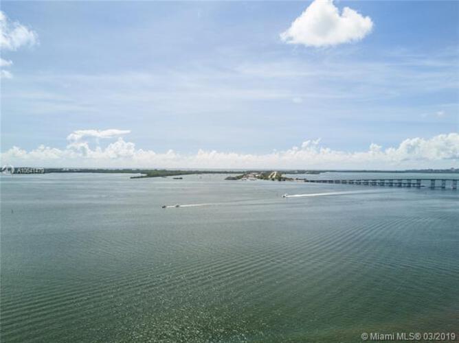Bayshore Place image #17