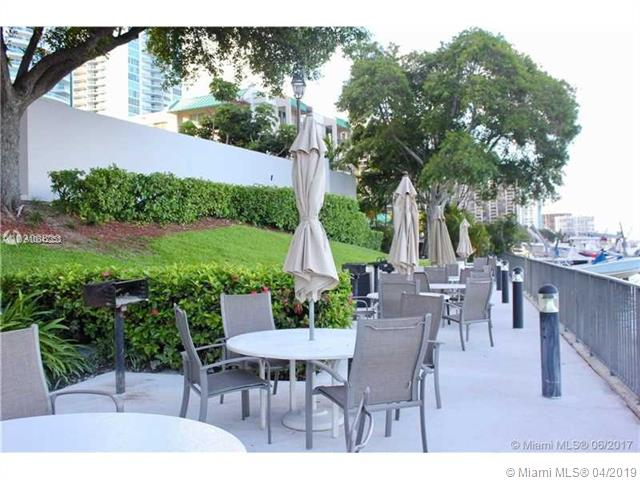Brickell Bay Club image #8