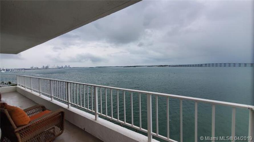 Brickell Harbour image #19