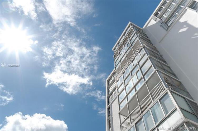 Brickell 25 image #1
