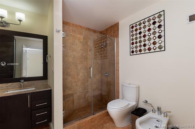 Brickell 25 image #8