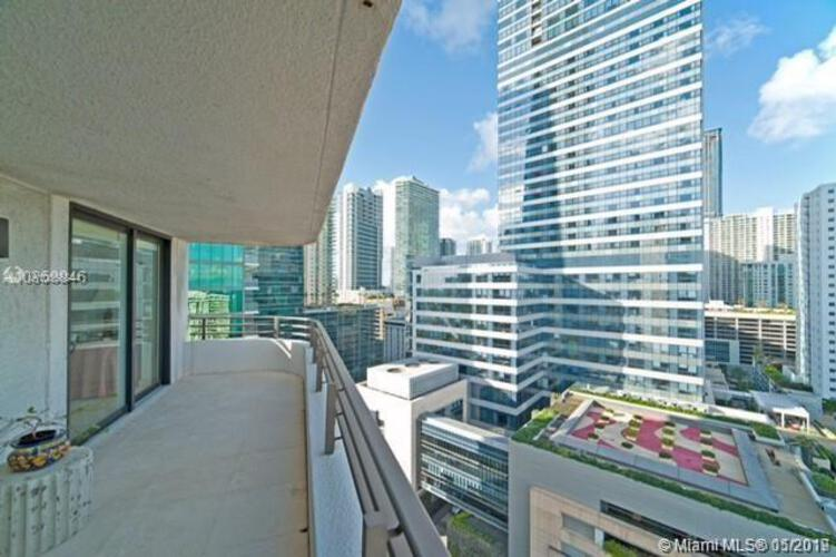 Brickell East image #3