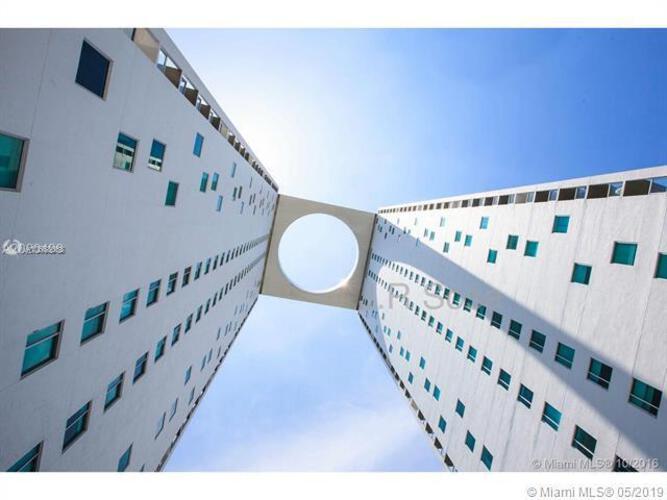 500 Brickell image #18