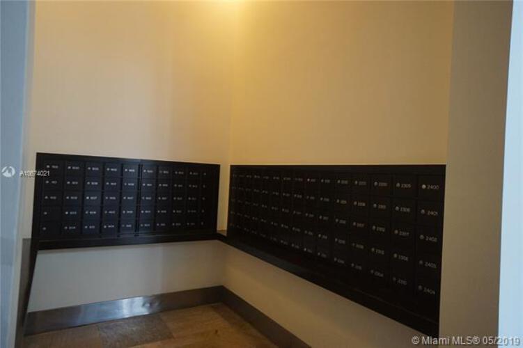 500 Brickell image #29