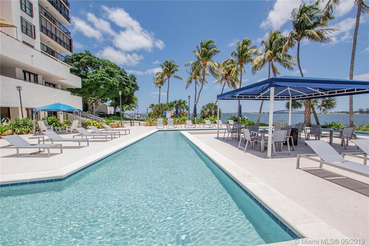 Brickell Bay Club image #27