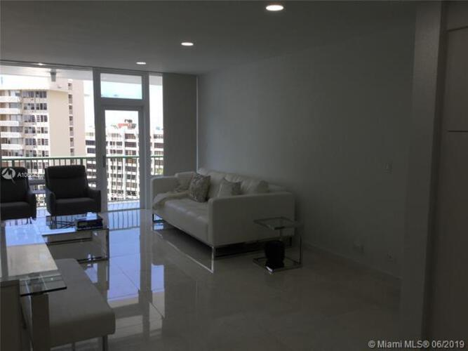 Brickell Bay Tower image #19