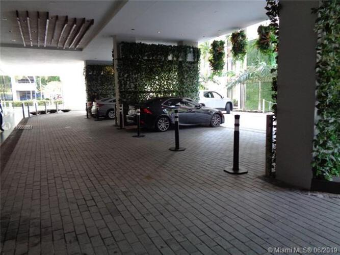 1010 Brickell image #8