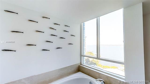 Bristol Tower Condominium image #20