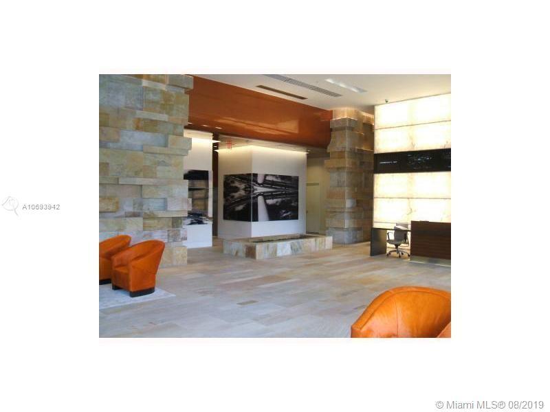 500 Brickell image #30