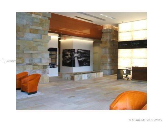 500 Brickell image #35