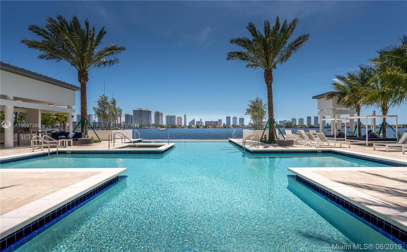Marina Palms Yacht Club and Residences North Tower image #19