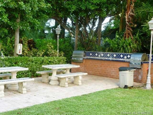 Brickell Biscayne image #2