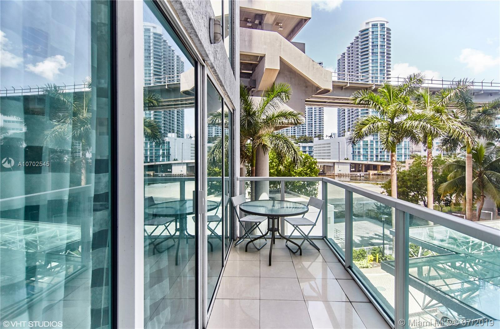 Brickell on the River South image #9