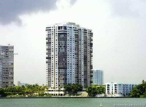 Brickell Bay Club image #14