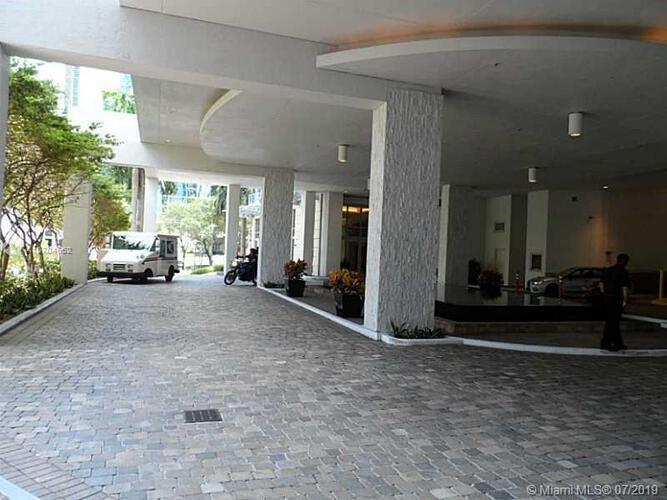 Avenue 1060 Brickell image #17