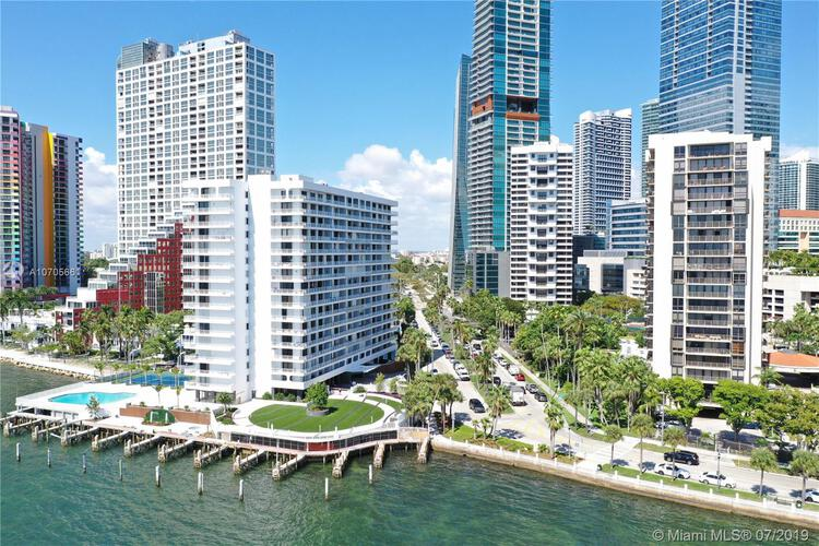 Brickell Harbour image #4