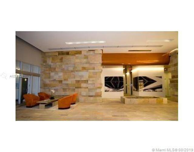 500 Brickell image #20