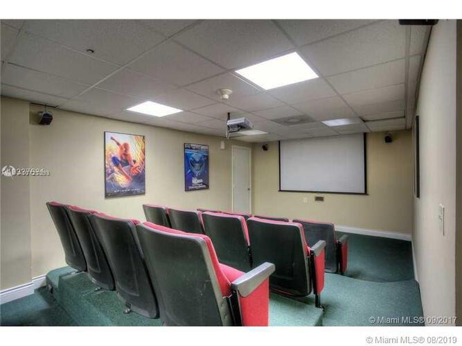 Brickell Bay Club image #13
