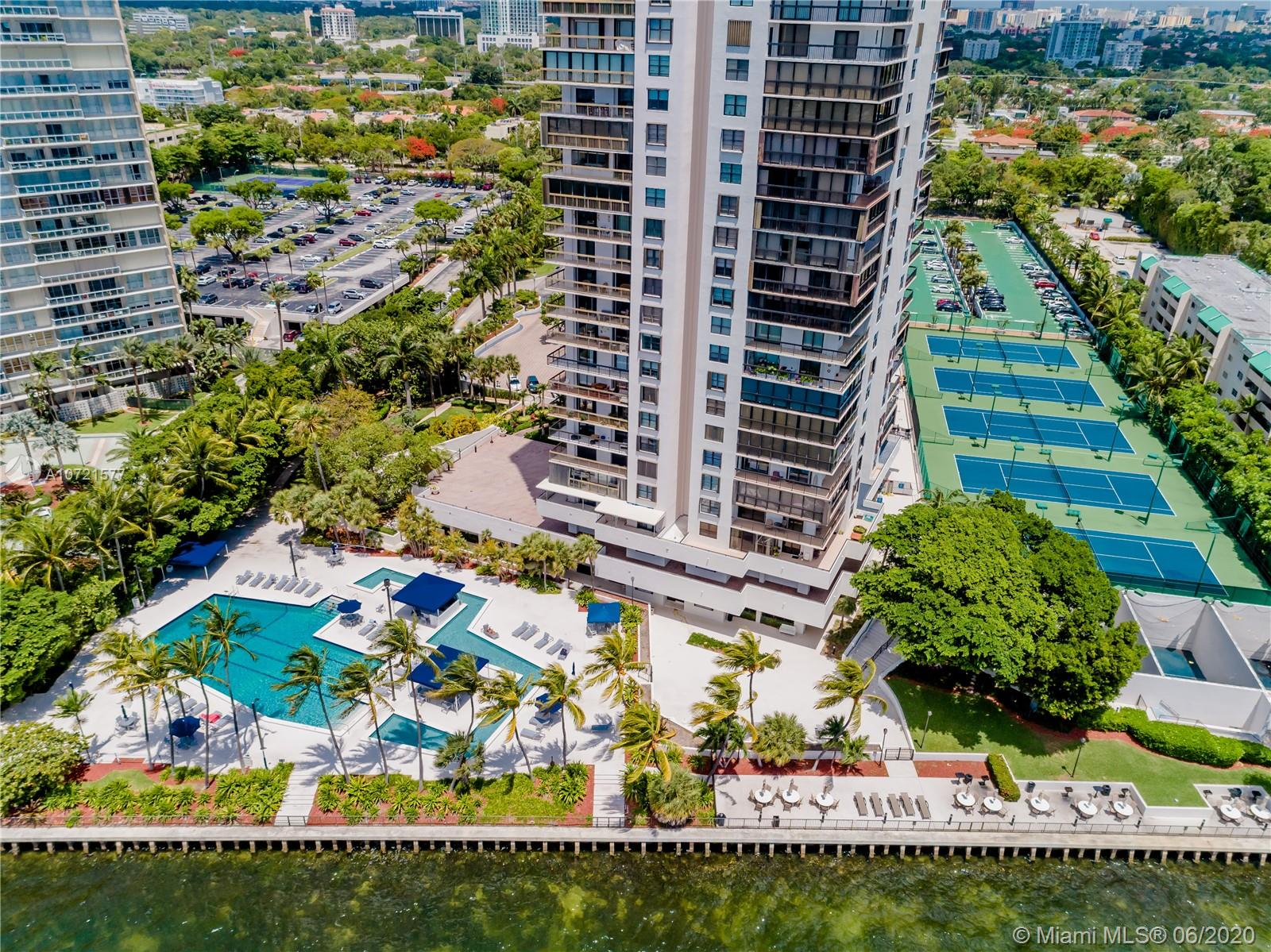 Brickell Bay Club image #11
