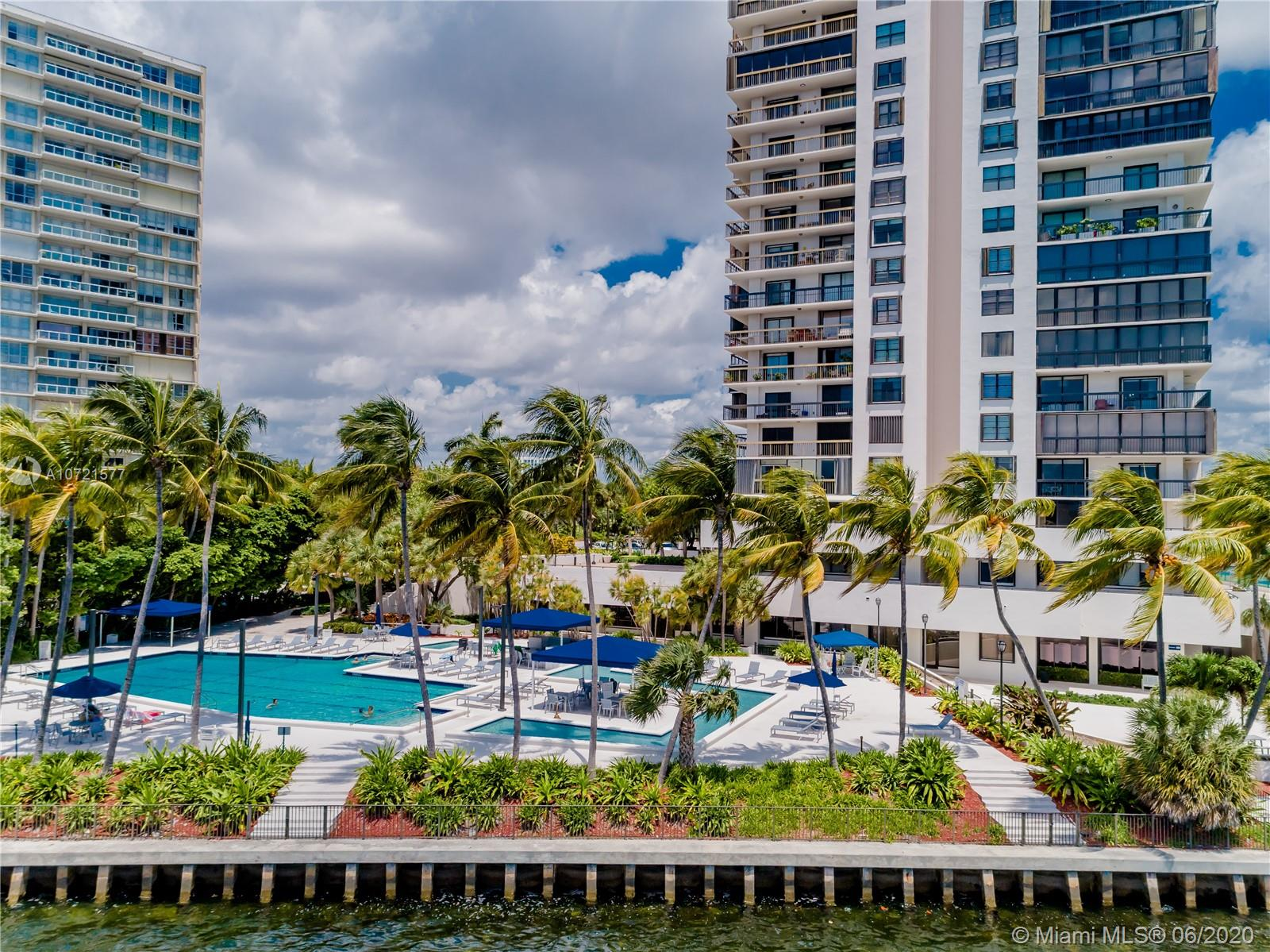 Brickell Bay Club image #48