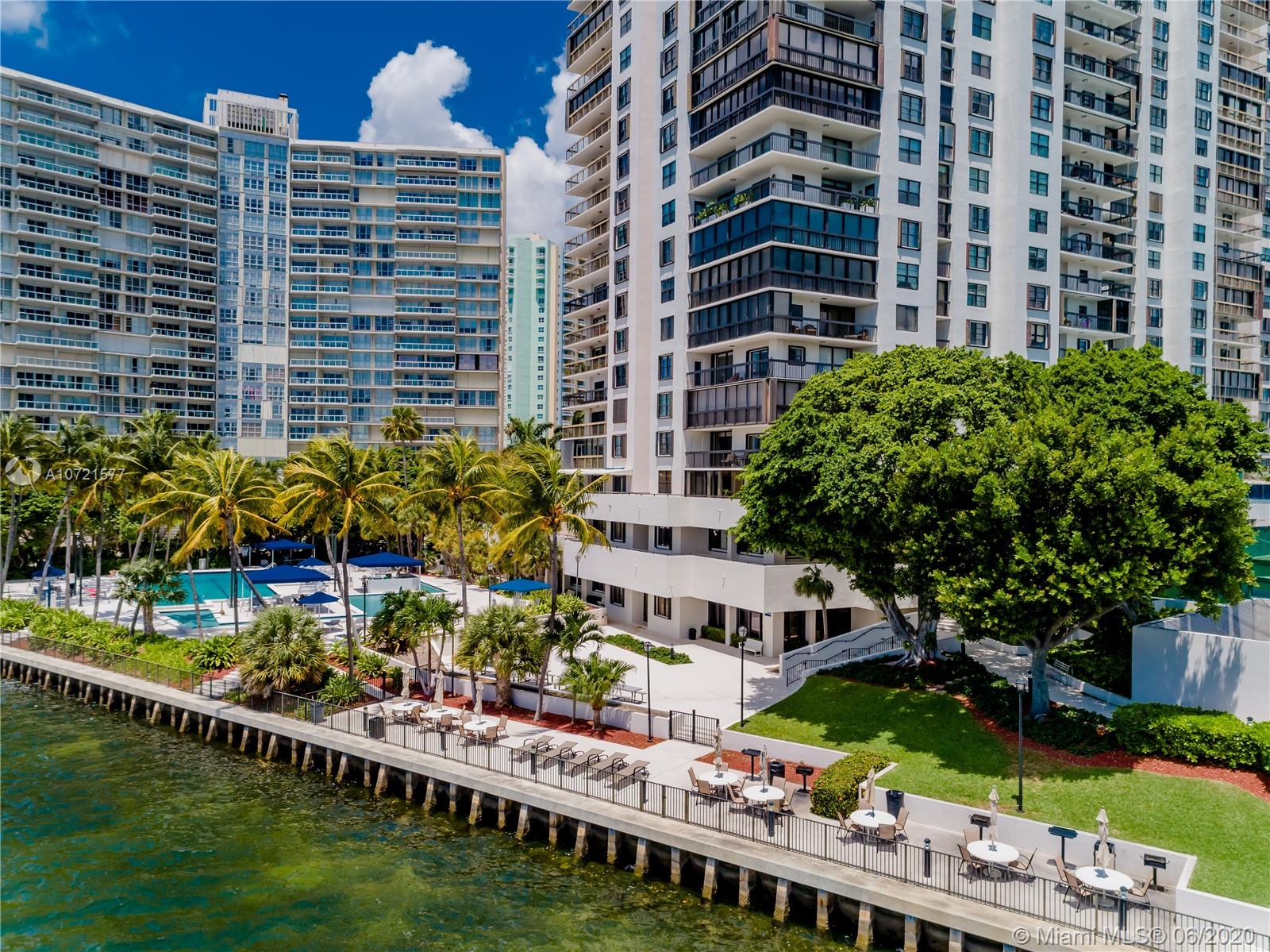 Brickell Bay Club image #49