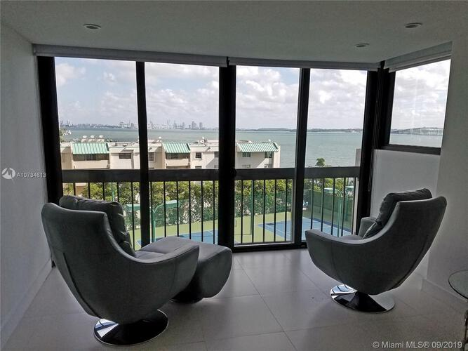 Brickell Bay Club image #1
