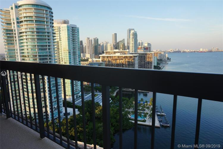 Brickell Bay Club image #5