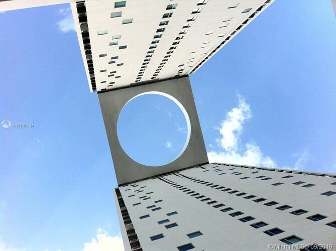 500 Brickell image #28