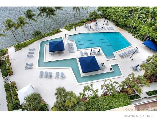 Brickell Bay Club image #29