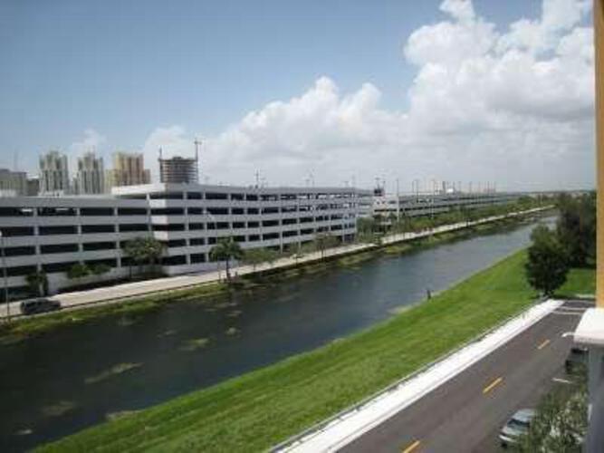 Condo in Miami, Dadeland, Colonnade at Dadeland, 406, A1558689