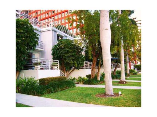 Condo in Miami, brickell, The Palace Condo, T104, A1734372